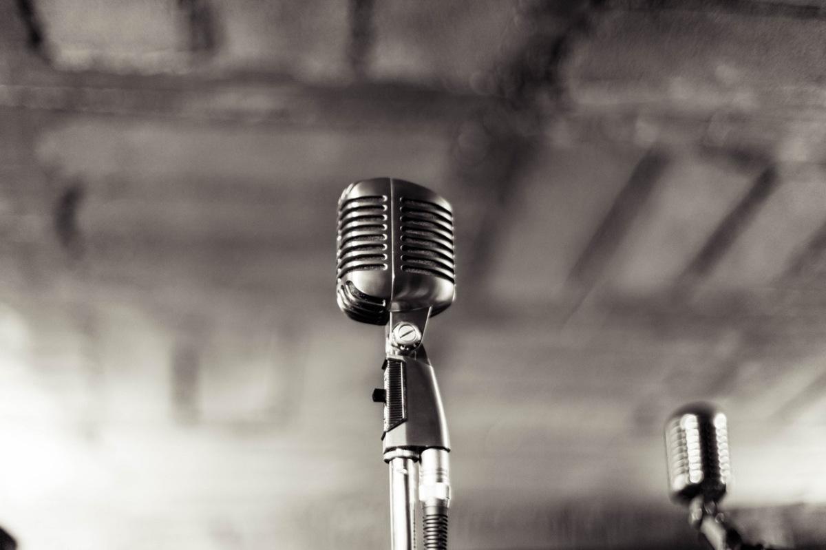 Ksiądz śpiewa, ksiądz rapuje